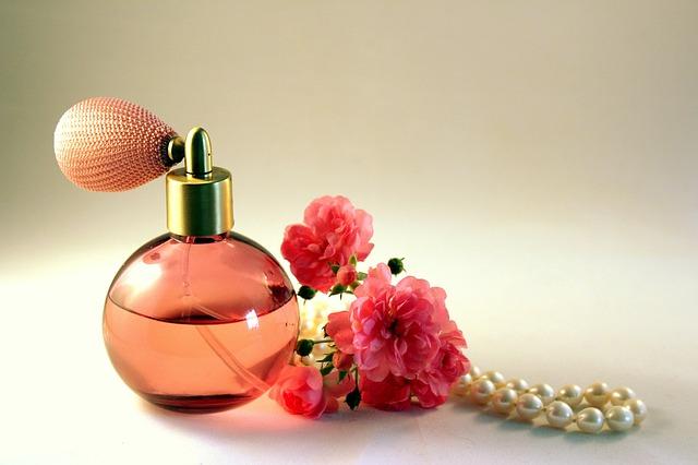 片想いから両想いになれる香水?恋愛運が上がるお勧め恋コロン。