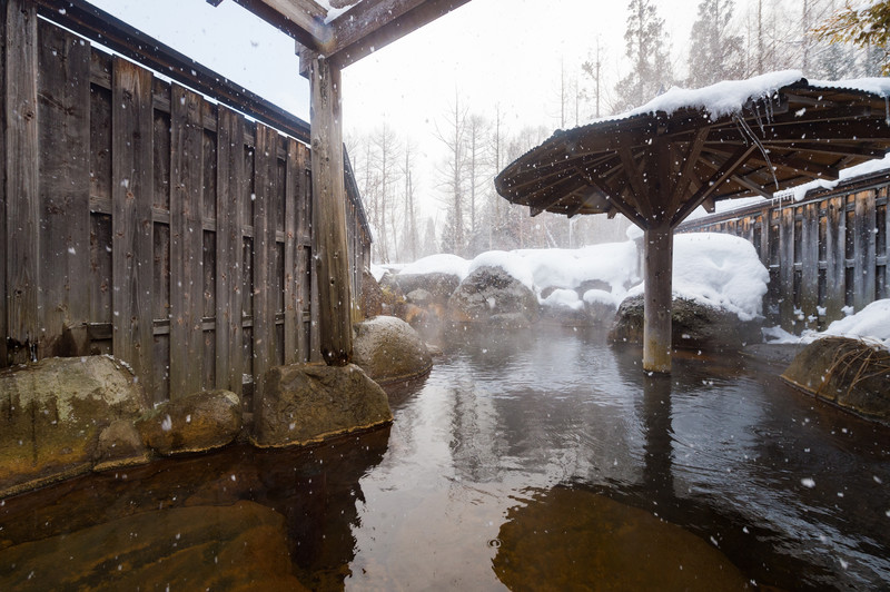 温泉に入ると運気が上がる。泉質別スピリチュアル効果一覧!