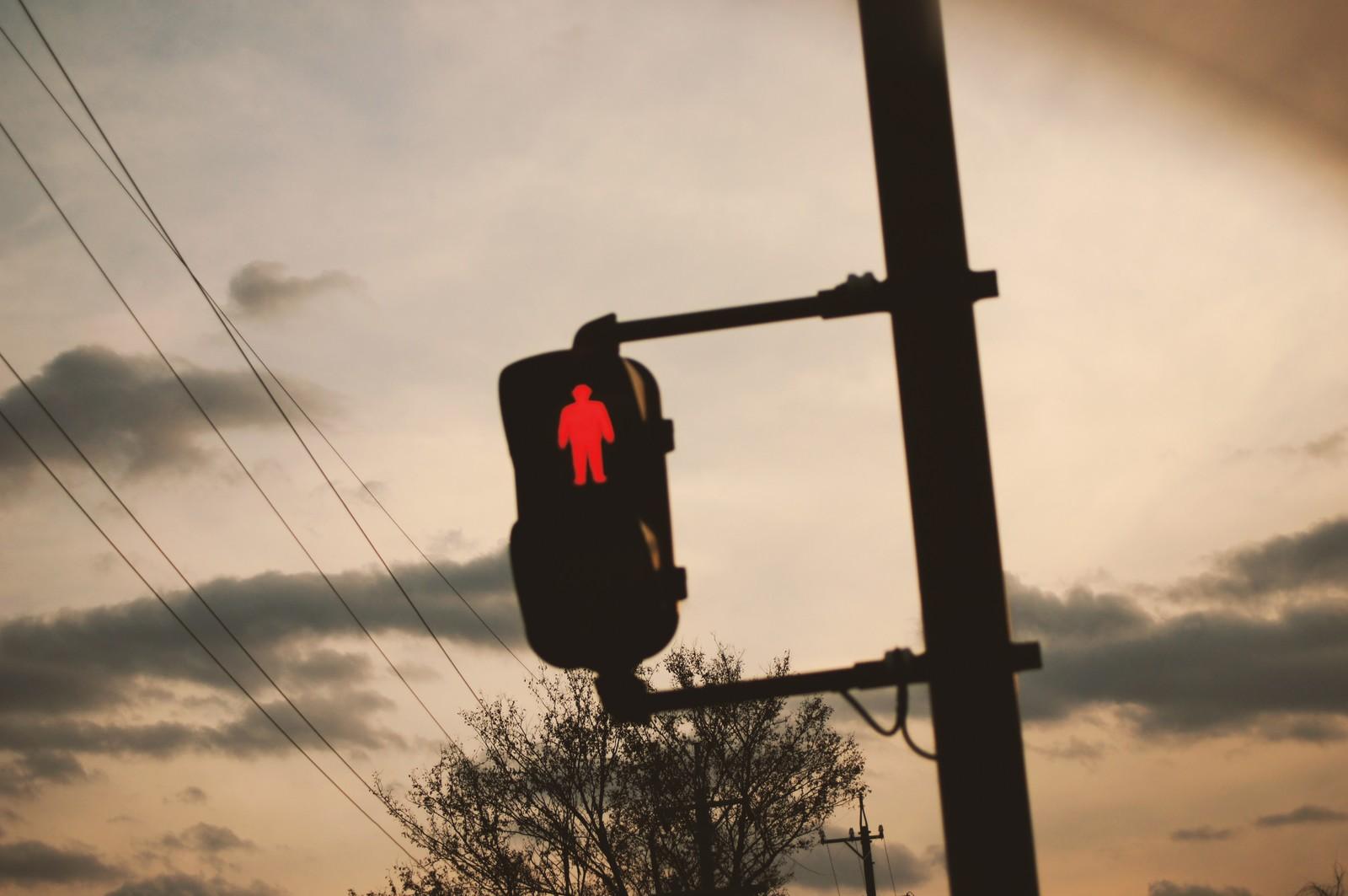 赤信号、やけに引っかかる日は要注意。守護霊からのスピリチュアルサイン。